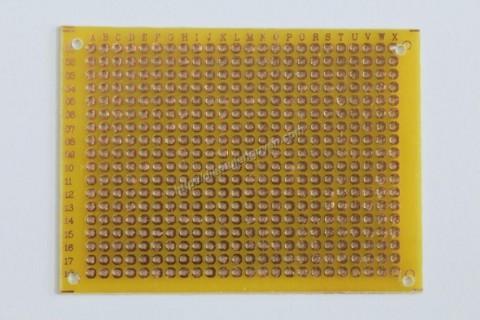 Board đục lỗ 7x9cm ( thủy tinh 1 mặt vàng)